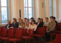 Az érdeklődő egyetemisták